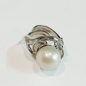 anello con perla naturale sferica1
